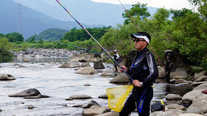 2年ぶり!井川引二郎が大野のアユを釣る