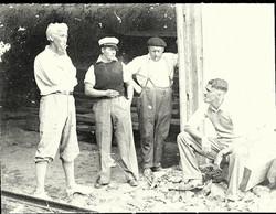 Gar Wood, Joe, Joe Harris, Capt. C Marshall, Joe's manager