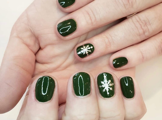 Classic Flutter Manicure with Nail Art