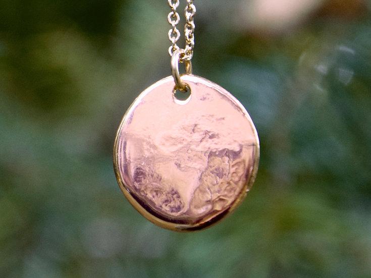 Organic Shaped Round Pendant Necklace