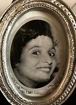 סבתא סוזי 1_edited.jpg