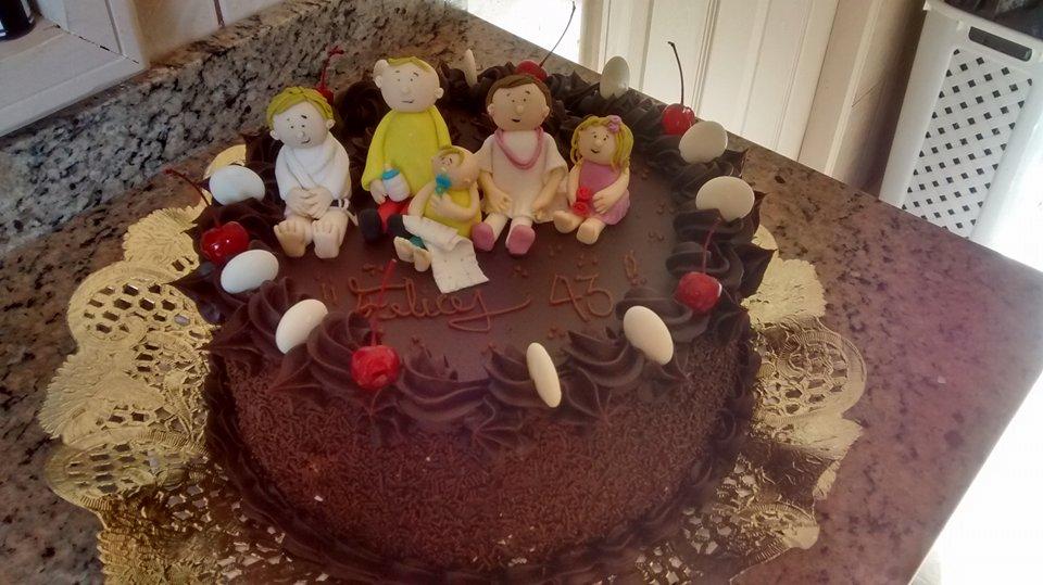 Pastel familia en chocolate.jpg
