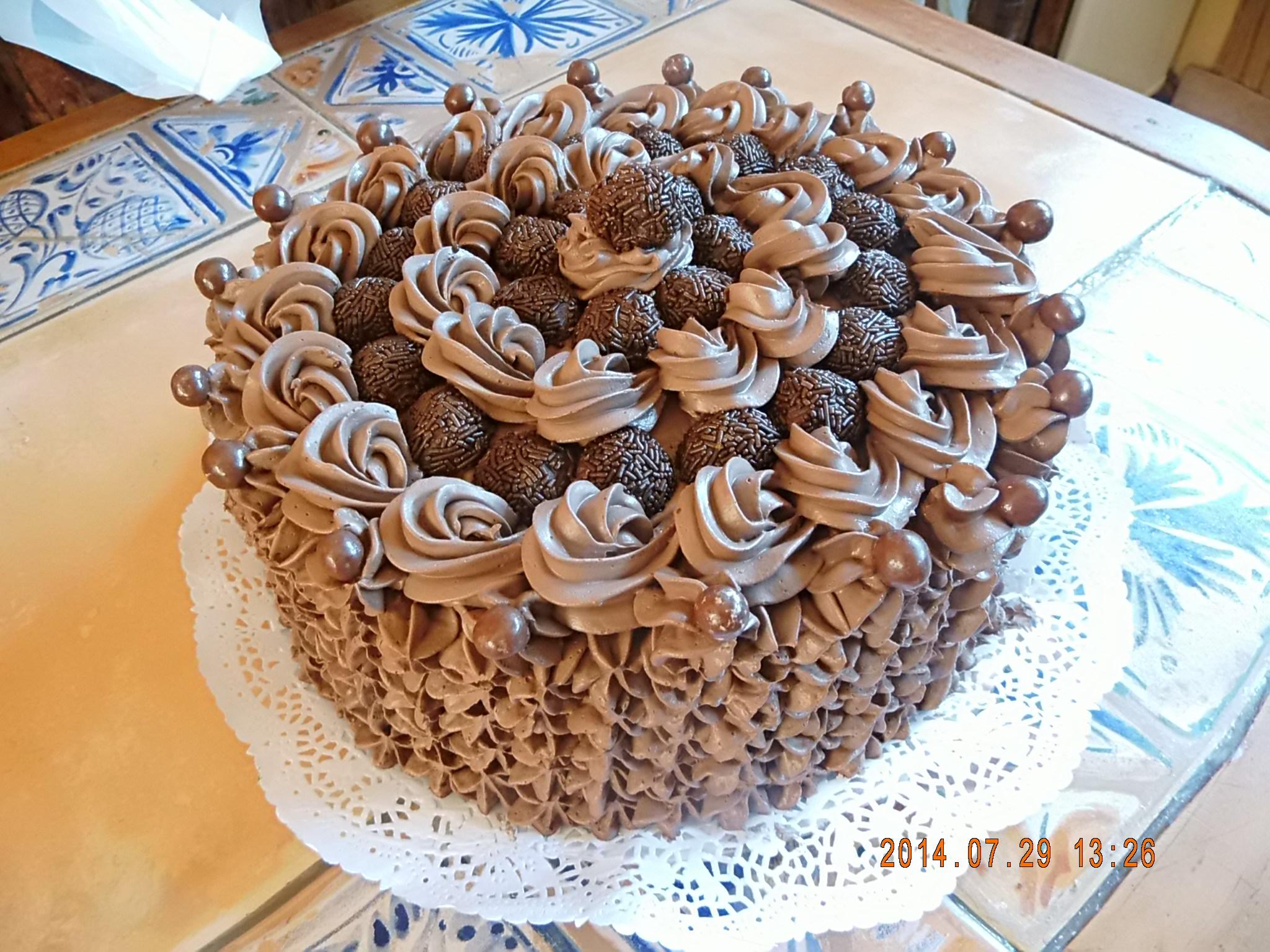 Pastel de chocolate y trufas