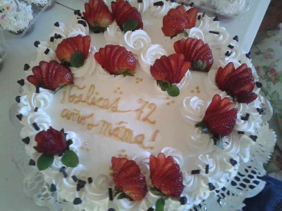 Pastel de fresas 30 porciones