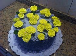 Pastel flores amarillas