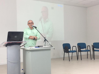 FERGS recebe expositor Álvaro Chrispino em evento comemorativo aos 97 anos de sua fundação