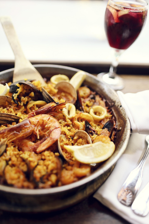 16. Paella