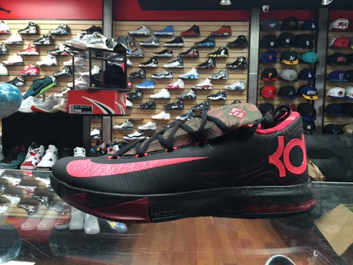 d18e9cb56f8b Nike KD 6 meteorology Men 100% Authentic and Brand new In hand and ready to  ship within 24hours We ship usps priority mail 1-3 day delivery