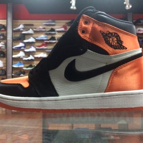 on sale daeb1 ff05e Nike Air Jordan Retro 1 OG High Satin Shattered Backboard Wms