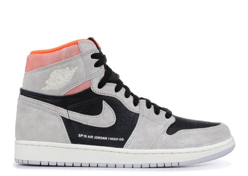 0b330d770183de Nike Air Jordan Retro 1 Crimson