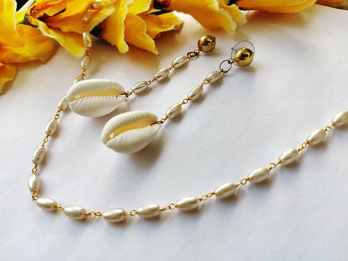 Cowrie Shells Danglers with Chain Choker (set)