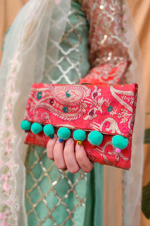 Zari Embroidered Clutch (Bag)