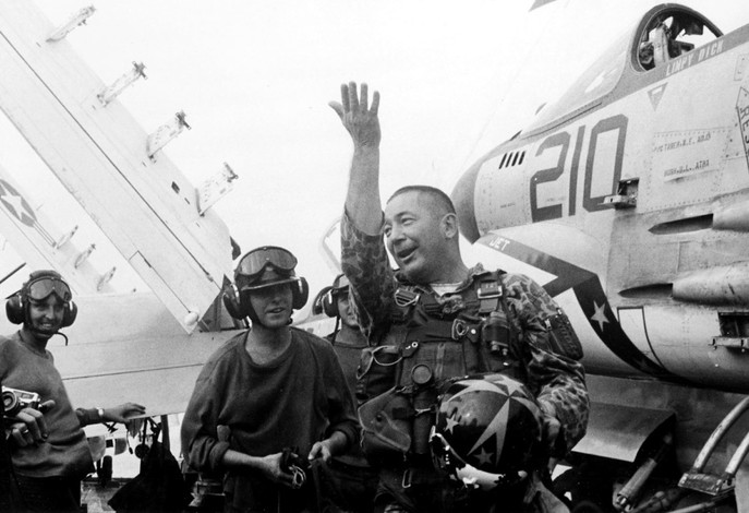 Commander Richard M. Bellinger of aircraft carrier Oriskany's Fighter Squadron 162 relates how he destroyed a North Vietnamese MiG-21 on Oct. 9, 1966.  Source: Naval History and Heritage Command