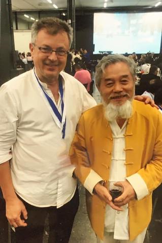 """Dr. Bo Zhi Yun creador de la teràpia """"Fu Zhen - 腹 针"""", Acupuntura Abdominal."""