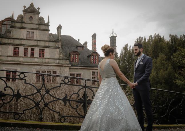 Bild vorm Schloss beim Hochzeitshooting in Steinau Main Kinzig Kreis