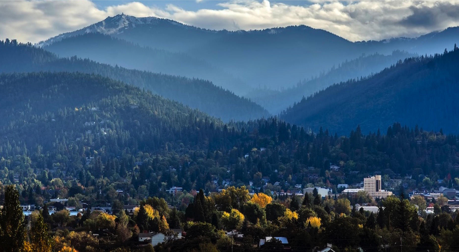 Join us in beautiful Ashland Oregon for the 6th Annual Honey & Mead Festival
