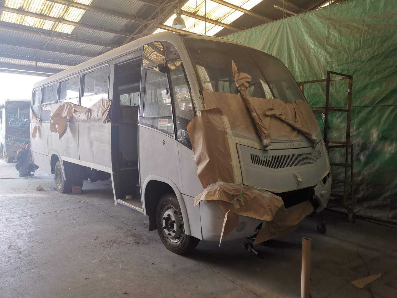 Reborn Electric - Taxibus minero siendo pintado