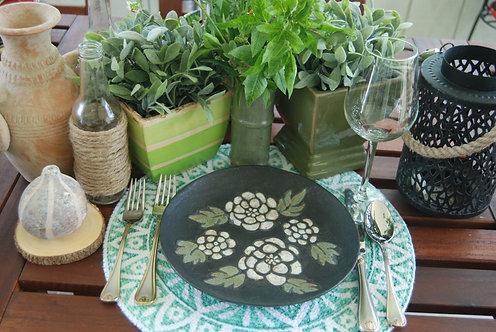 BLACK PEARL DESIGN DINNER PLATE