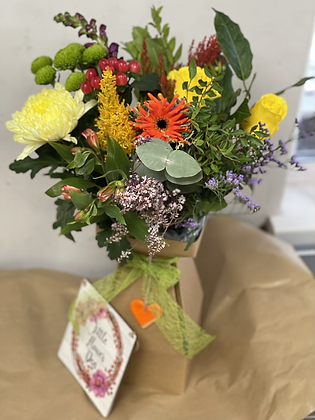 Autumn boxed bouquet with Heart