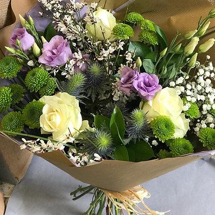 Handtied bouquet (plastic free)