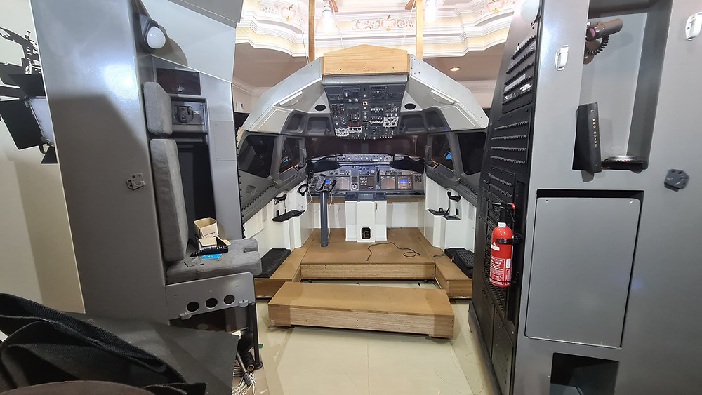 737DIYSIM removes the floors