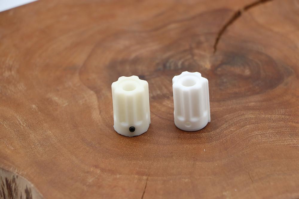 Resin print (Left) vs Filament print (Right) 737 EFIS Knobs