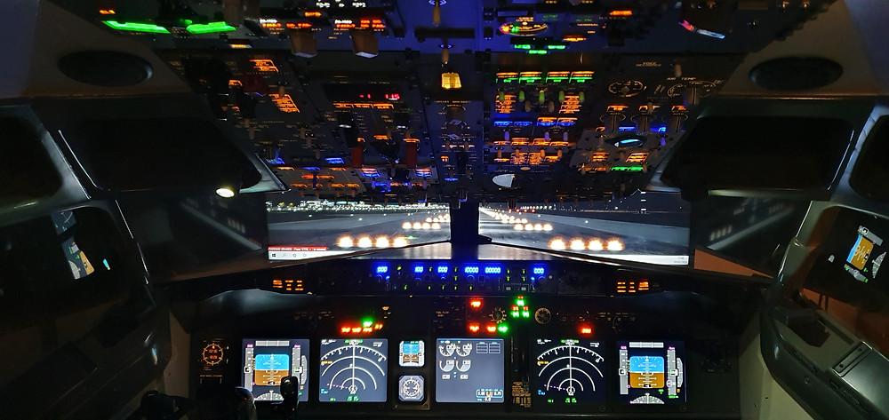 737DIYSIM installs warm white panel back-lighting