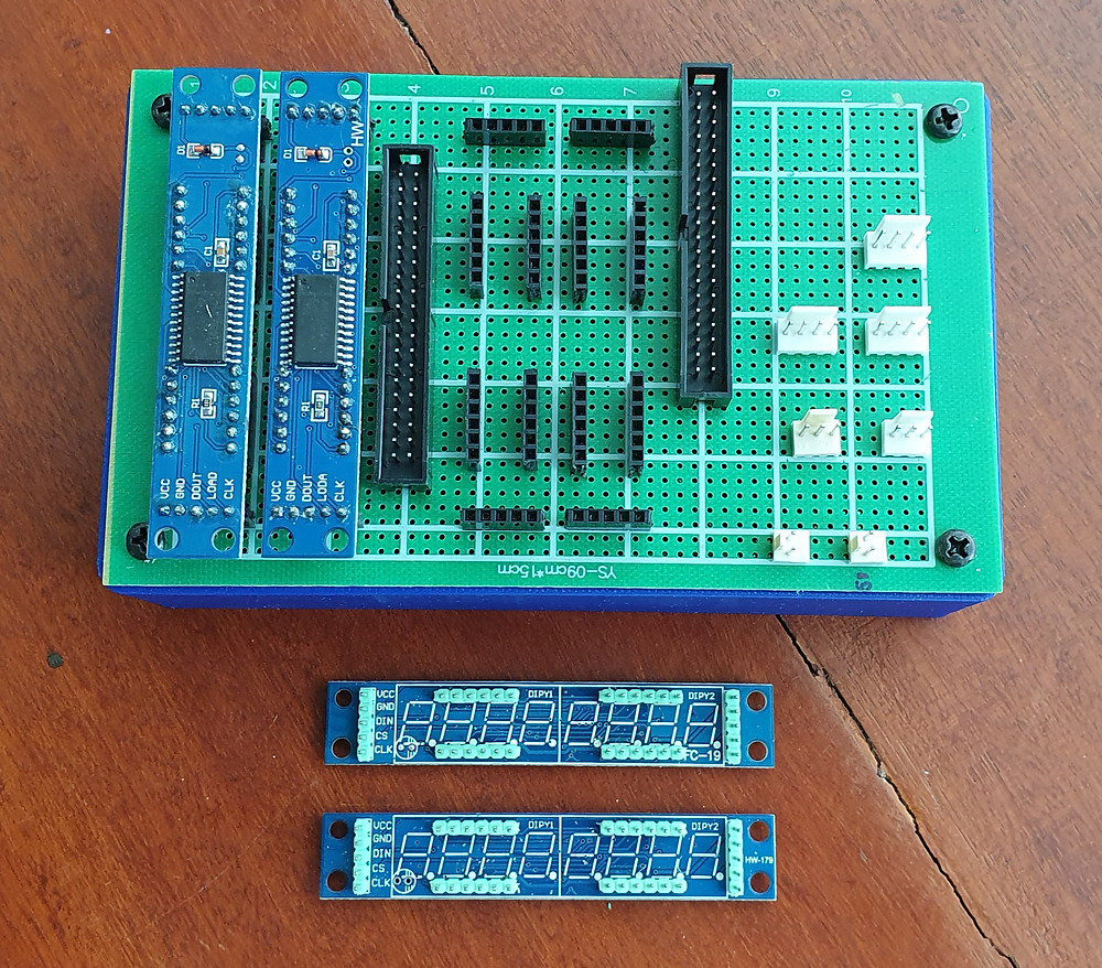 Hot swap-able max 7219 boards