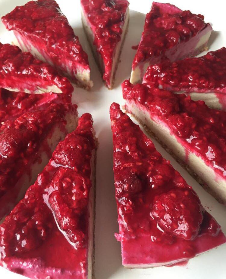 Raspberry vegan cheesecake