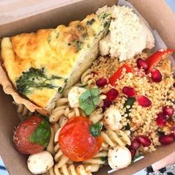 Quiche salad box