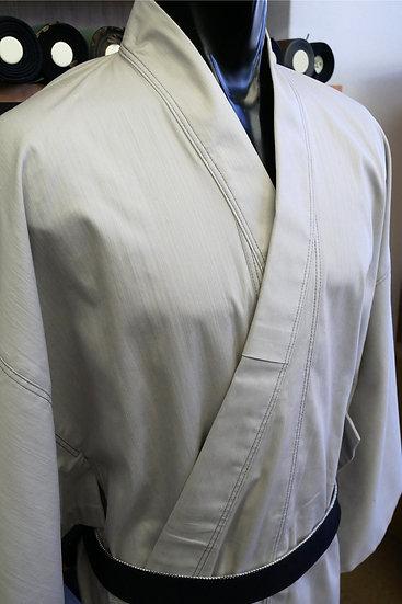 仕立てあがりのオフホワイト・カラーデニムの着物