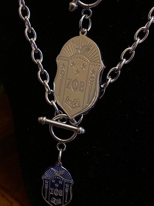 Zeta Stainless Shield necklace (45mm)