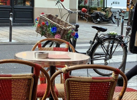 Paris Aujourd'hui : respect, flâneries et coquetteries