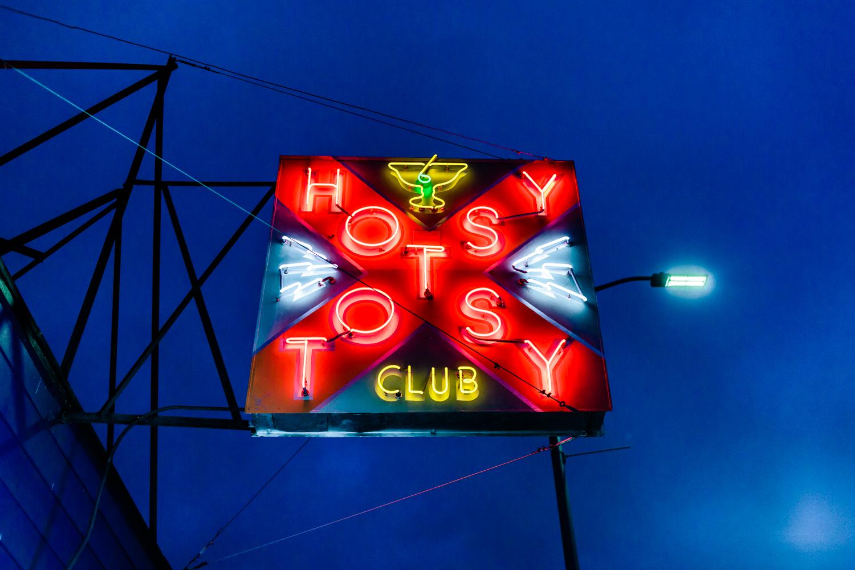 HOTSY TOTSY CLUB