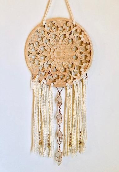 Mandala de bois avec quartz