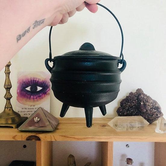 Chaudron de sorcière en fonte