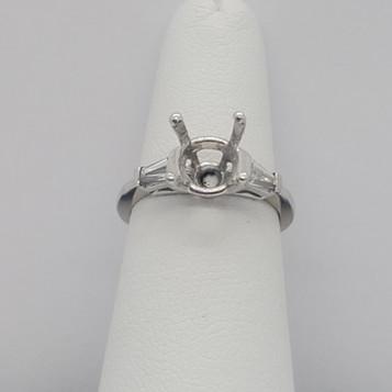 Tappered Bagguette Eng Ring.jpg