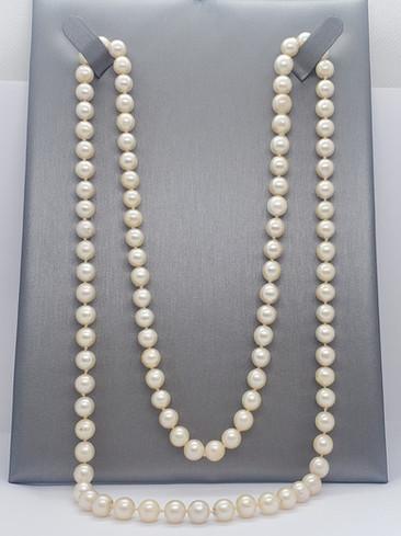 Pearls long strand.jpg