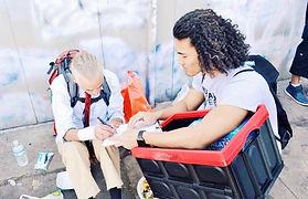 College student volunteer for homelessness