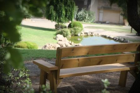 ספסל  לגינה מעץ מלא
