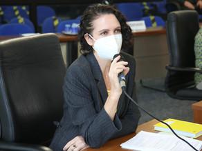Fernanda Garcia questiona valor do repasse de verba e prestação de contas da Fundec