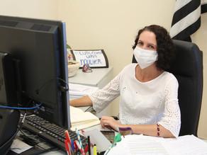 Requerimentos da vereadora Fernanda questionam falta de psicólogos e nutricionistas na prefeitura