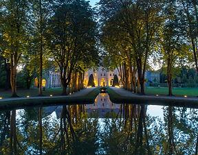cefbfb98eeddb06a6da25e6486f8c84a-abbaye-de-royaumont-parc-de-nuit-yann-monel-570x447.jpg