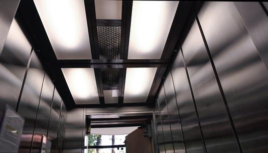 Embelezamento | Iluminação em LED e Revestimento em Inox