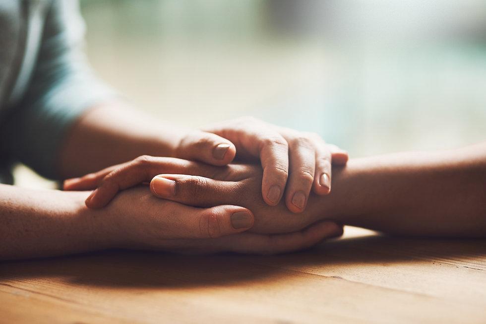 holdinghands_0.jpg