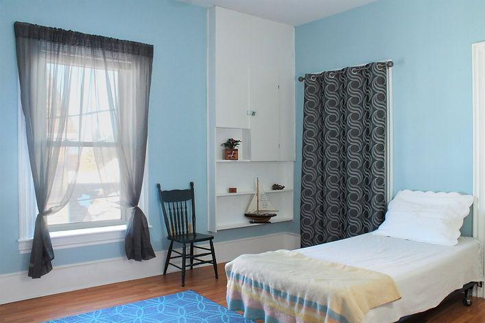 Room 4 #1.jpg