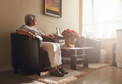 Seniores need contact