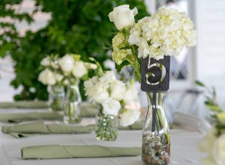 How to DIY your wedding flowers