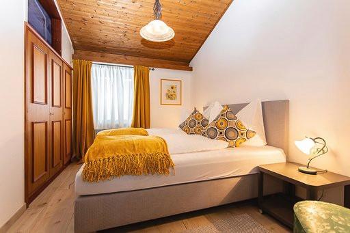 Schlafzimmer Kitzsteinhorn.jpg