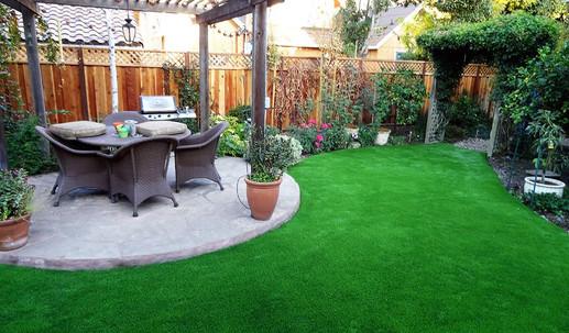 Artificial-grass-for-backyards-min.jpg